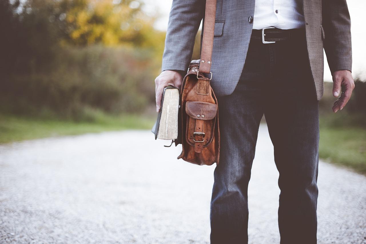 bőr férfi táska